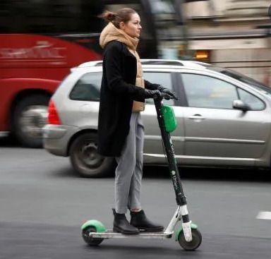 Permiso de conducción y seguro obligatorio para patinetes y bicicletas