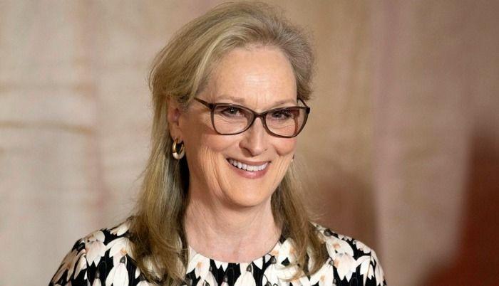 Maryl Streep, Elizabeth Gilles, Liam Hemsworth, Santiago Sosa and  Samara Weaving
